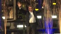 Ovation pour Eddy Merckx sur la Grand-Place de Bruxelles