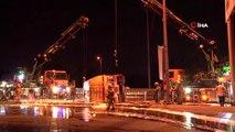 Avcılar'da devrilen yakıt tankerinin kaldırılmasıyla yol 4 saat sonra trafiğe açıldı