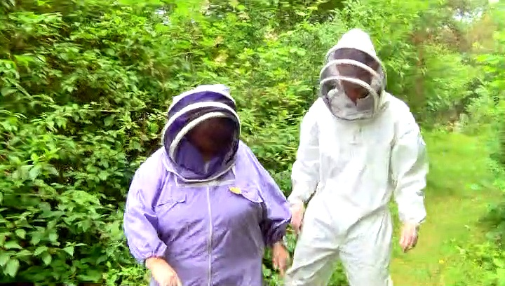 The Importance Of Honey Bees With Alyson Hurst!