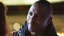 Idris Elba porte secours à une spectatrice au théâtre