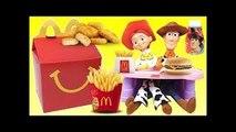 Toy Story 4 Woody y Jessie Comen Happy Meal de Mcdonalds con Hamburgesa y Papas Fritas