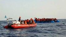 El Alan Kurdi busca puerto tras rescatar a 65 migrantes