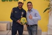 Quand Neymar reçoit un ballon en cristaux