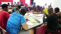Les étudiants africains en pleine révision pour le rattrapage du bac à Plainfaing
