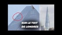 """À Londres, un homme escalade """"The Shard"""" à mains nues"""