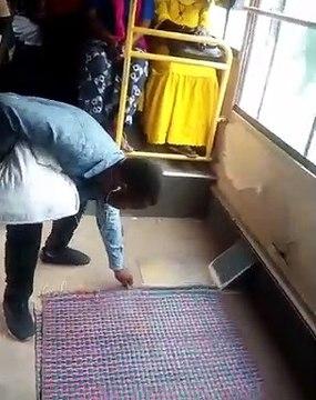 Incroyable: il pose sa natte dans le bus Dakar Dem Dikk et...