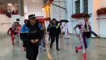 Salida de los toreros de la plaza de toros de Pamplona tras la suspensión de la corrida