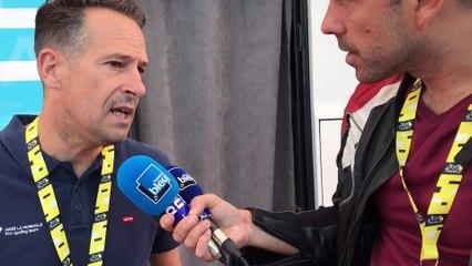 """Le bus de l'équipe, """"une maison qui roule"""" explique Julien Jurdie"""