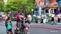 Deux familles se battent à Disney devant leurs enfants
