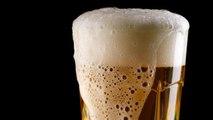 Bere birra aiuta a stare meglio: lo dice la scienza. Ecco quanti boccali bere al giorno