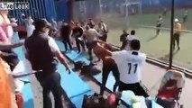 Grosse bagarre entre parents lors d'un match de foot au Mexique !