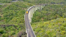 This New Zealand Train Line is a Panoramic Marvel