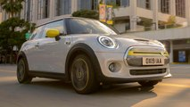 AutoComplete: Mini debuts the Cooper SE in all its highlighter-yellow glory