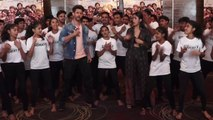 Hrithik Roshan dances with NGO kids during Super 30 promotions; Watch Video | FilmiBeat