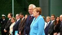 3 haftada 3. kez! Merkel yine titreme nöbeti geçirdi!