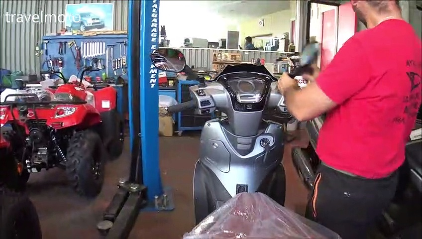 unboxing KYMCO People 300 scooter (new model 2020)