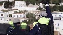 Grèce : des gynécologues aident les femmes précaires