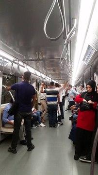 Metroda provokasyon! Başörtülü kadını hedef alıp olay çıkardı