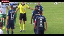 Football : Victime de racisme en plein match, un joueur quitte le terrain en larmes (Vidéo)