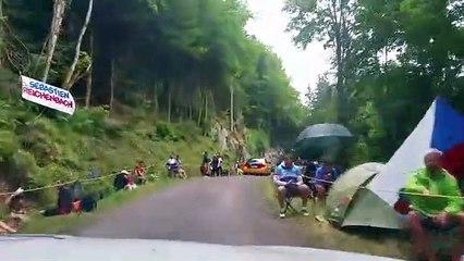 La montée à partir du col des Chevrères  : 6e étape du Tour de France