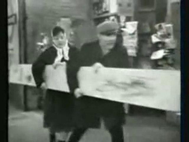 Sykes -  The Plank (TV  Series) Eric  Sykes Hattie Jacques  Felix Bowness Deryck Guyler