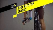 Changement de chaussure / Shoe pit stop - Étape 7 / Stage 7 - Tour de France 2019