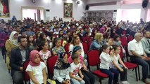 Kur'an kursu öğrencilerinden 'İşaret diliyle ilahi'