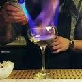 Ce barman a surement utilisé de la magie pour préparer ce cocktail