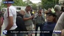 Des gilets jaunes présents aux abords des Champs-Élysées pour huer l'arrivée du président de la République
