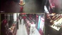 Sultangazi'de akaryakıt istasyonu çalışanlarının gasp edilme anı kamerada
