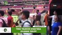 Türk Telekom Stadı'nda evlenme teklifi