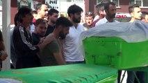 SİVAS Kazada ölen, aynı aileden 3 kişi gözyaşları ile uğurlandı