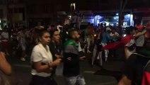 Les supporters de l'Algérie après la demi finale de la CAN 01
