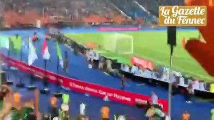 But de Mahrez depuis les tribunes… c'est la folie !!!