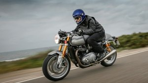 Triumph Thruxton R - café racers off the rack