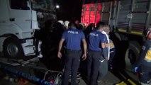 Kamyonun halatla çektiği otomobile tır çaptı: 3 ölü, 2 yaralı