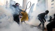 Hongkong: oszlatás könnygázzal, vízágyúval