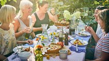 Short On Living Space? Here's How To Host An Outdoor Dinner Party