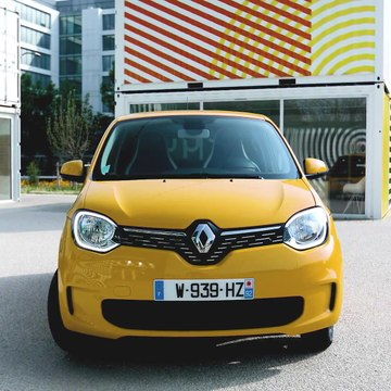 2019 New Renault TWINGO Design in Mango Yellow