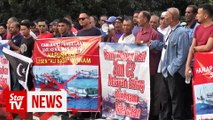 Fishermen stage protest against encroachment of Vietnamese vessels