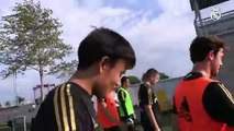 Kubo avoue à Hazard  qu'il regarde ses vidéos avant chaque match