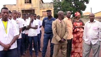 BAC-2019 à Labé : fouille des candidats, interdictions de chaussures fermées et insuffisance de matériel