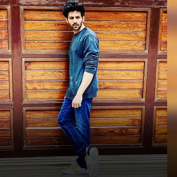Kartik Aaryan buys the same Mumbai house he once stayed in as a paying guest?