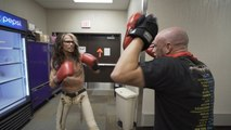 Steven Tyler, 71 years old, boxing backstage - Aerosmith