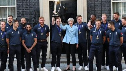 ICC Cricket World Cup 2019 : England Players Meet Prime Minister Theressa May || Oneindia Telugu