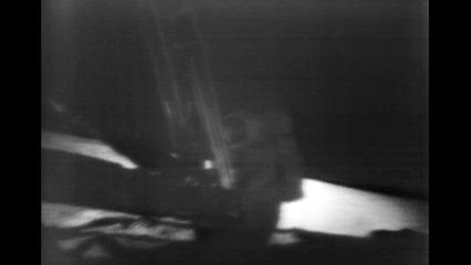 """Neil Armstrong et Edwin """"Buzz"""" Aldrin sur la Lune (en anglais) - Gracieuseté de la NASA"""