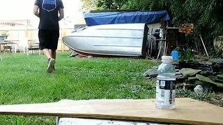 Bottle Cap Challenge.. au tir à l'arc avec une flèche !