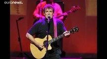 """Le musicien sud-africain Johnny Clegg, """"le Zoulou blanc"""", est mort"""
