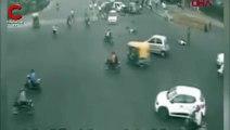 Hindistan'da feci kaza: 2 ölü 4 ağır yaralı