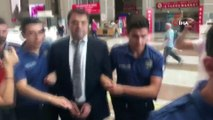 Hrant Dink davasında zaman aşımı ihtimaline ilişkin dosyası ayrılan 9 sanık hakkındaki davada karar açıklandı. Mahkeme Erhan Tuncel'i, Hrant Dink'i öldürmeye yardımdan 18 yıl, örgüte yardımdan 2 yıl 6 ay ve Trabzon'daki bombalı saldırıya i
